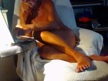 nakedsun10 cam show from Chaturbate.com