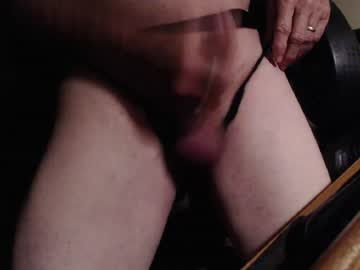 eldredge18 blowjob show from Chaturbate