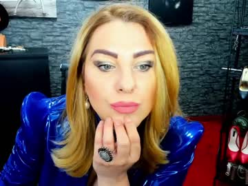 khaleesidomme record webcam video from Chaturbate.com