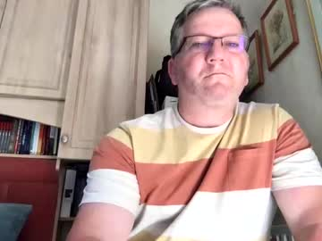 londoner_with_skin public show from Chaturbate