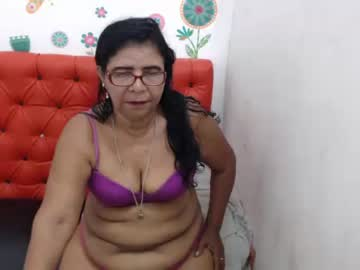 supermilf39 record video with toys from Chaturbate