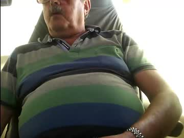 isfuntochathere record blowjob video from Chaturbate.com