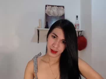 vampire_princessx record video with toys