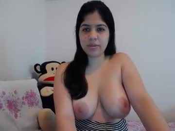 shantal_woods public show from Chaturbate.com