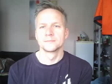 paul_ispaul record blowjob video from Chaturbate.com