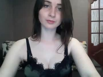queenvaleryiaaa record show with cum from Chaturbate.com