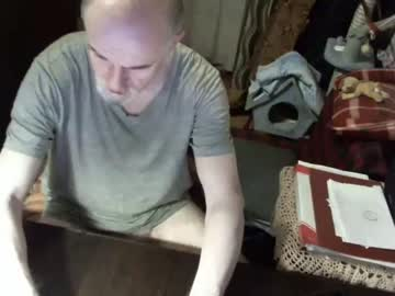 knightinwhitesatin record webcam video from Chaturbate