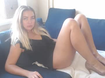 xkristinaxxx blowjob video from Chaturbate