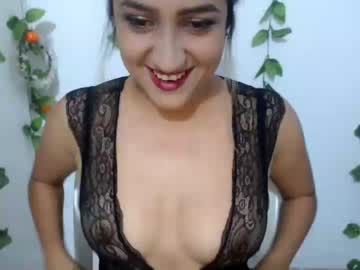 karlacutee record video with toys from Chaturbate.com