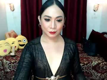 classydivacarlaxxx record show with toys from Chaturbate