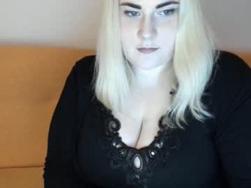 fierladyy record webcam video from Chaturbate