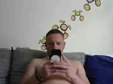 naturalextrem88 public show from Chaturbate.com