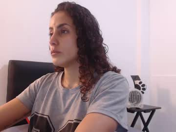 nahomi_brow public webcam from Chaturbate