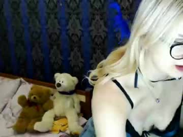 elisabetshroyer public show video from Chaturbate.com