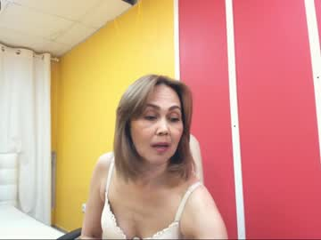 laura69hotty record premium show from Chaturbate