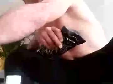 roy35bi video from Chaturbate.com