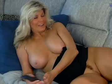 bluberryhill4 private show video from Chaturbate