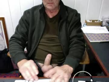 renser01 record public show from Chaturbate