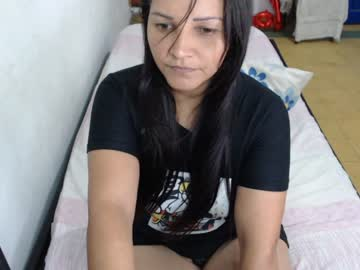 cataleyahoot3 public show from Chaturbate