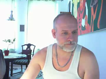 mojomd record video with toys from Chaturbate