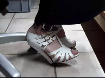 teninchheels public webcam from Chaturbate.com