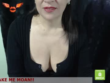 katie_29 blowjob video from Chaturbate