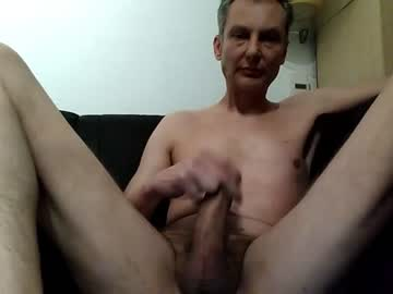 fhun69 public show from Chaturbate