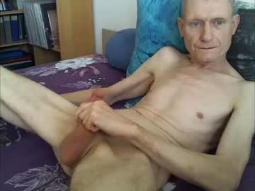 mecducentre chaturbate toying