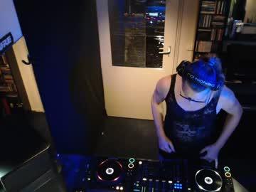 hotdutchy7 record blowjob show from Chaturbate