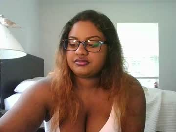 xochrissixo public webcam video from Chaturbate.com