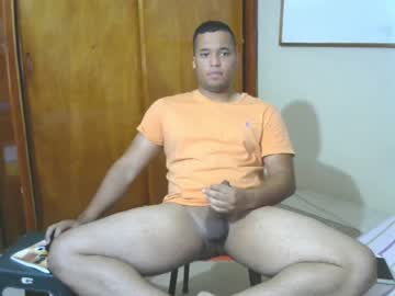victorl93 webcam show from Chaturbate.com
