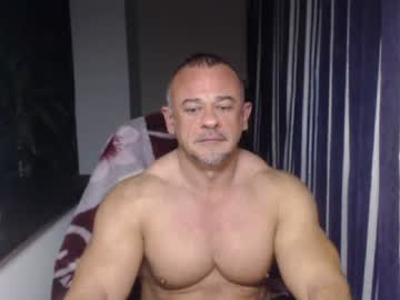 artoriuskastus private show video from Chaturbate