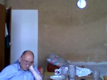 wolny41 record premium show video from Chaturbate