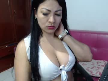 naughty_moon public show from Chaturbate.com