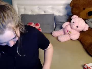 cheeky_lucy public show