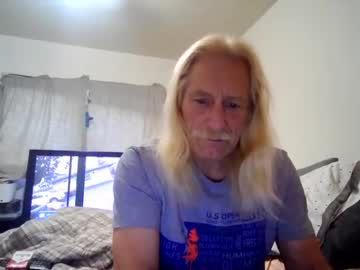 corrison123 record blowjob video from Chaturbate.com