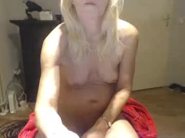 lindahotschot record video with dildo from Chaturbate