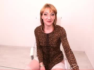 luxurychickx private show video from Chaturbate