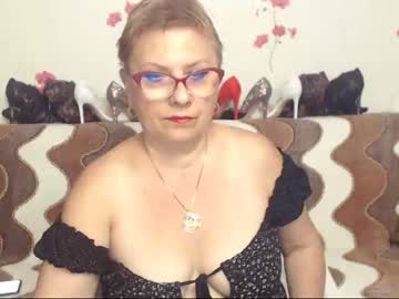 sexylynette4u private sex show from Chaturbate.com
