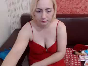 dirtyconnyxxx record blowjob video from Chaturbate