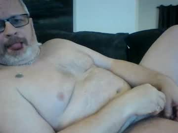 rayzorrayzor public show video from Chaturbate