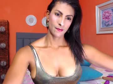nicoli_20 record webcam video from Chaturbate