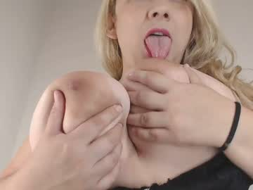 stefanny_medina public show video from Chaturbate.com