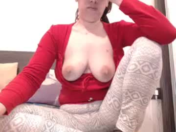 claresehorny blowjob show from Chaturbate.com