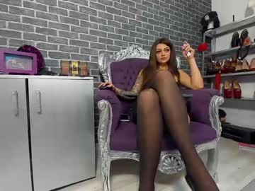 queenroberta record video with toys from Chaturbate