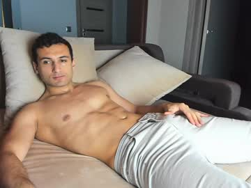 wowmichael69 blowjob show from Chaturbate