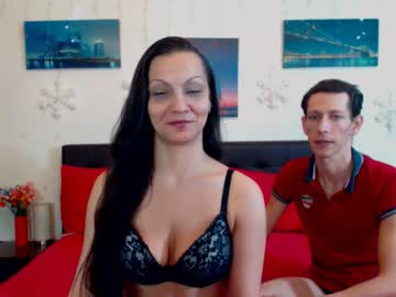 0hnaughtycouple public show from Chaturbate