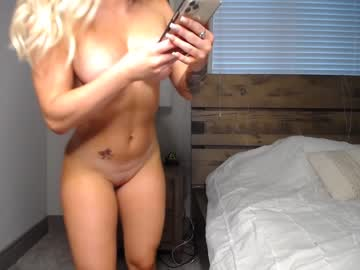 khloeexoxo webcam show from Chaturbate.com