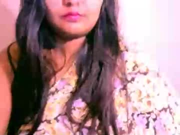 indianivy2 record public show video from Chaturbate