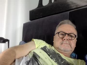 ozhairybearxxxx record private show from Chaturbate